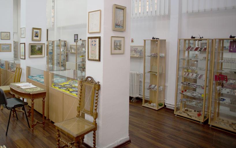Vitrina obiecte muzeu
