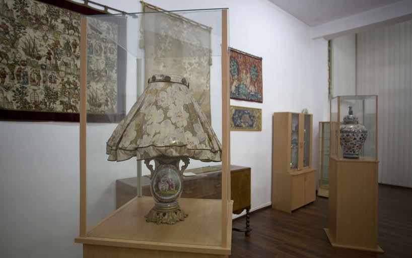 Veioza muzeu Vasile Goldis